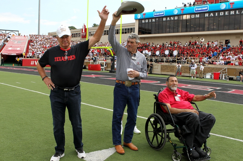 Texas tech football 50 greatest red raiders of all time for Red line motors el paso tx